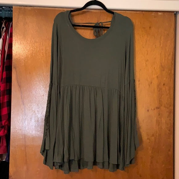 Torrid Olive baby doll t with lace bell sleeves